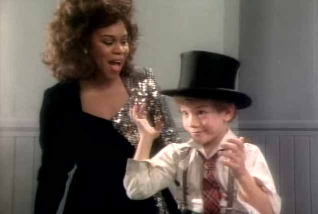 Deniece Williams Let's Hear It for the Boy Official Music Video