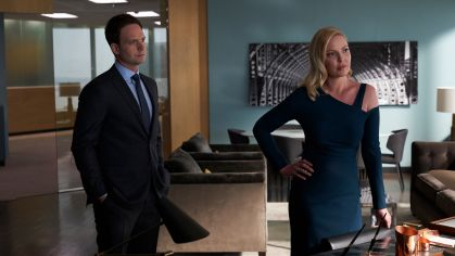 suits_episode 909_KatherineHeigl_PatrickJAdams_02_1920x1080
