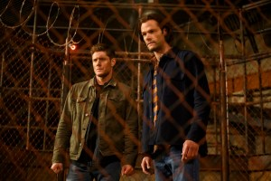 "Supernatural -- ""The Heroes' Journey"" -- Image Number: SN1510b_0358bc.jpg -- Pictured (L-R): Jensen Ackles as Dean and Jared Padalecki as Sam -- Photo: Diyah Pera/The CW -- © 2020 The CW Network, LLC. All Rights Reserved."