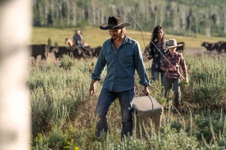 Yellowstone season 3 episode 4 - Going Back to Cali Luke Grimes as Kayce Dutton, Brecken Merrill as Tate Dutton and Kelsey Asbille as Monica Dutton.