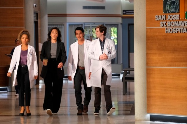 The Good Doctor Season 4 Episode 3 Photo - ANTONIA THOMAS, CHRISTINA CHANG, WILL YUN LEE, FREDDIE HIGHMORE