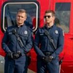 911 - Season 4 Episode 12