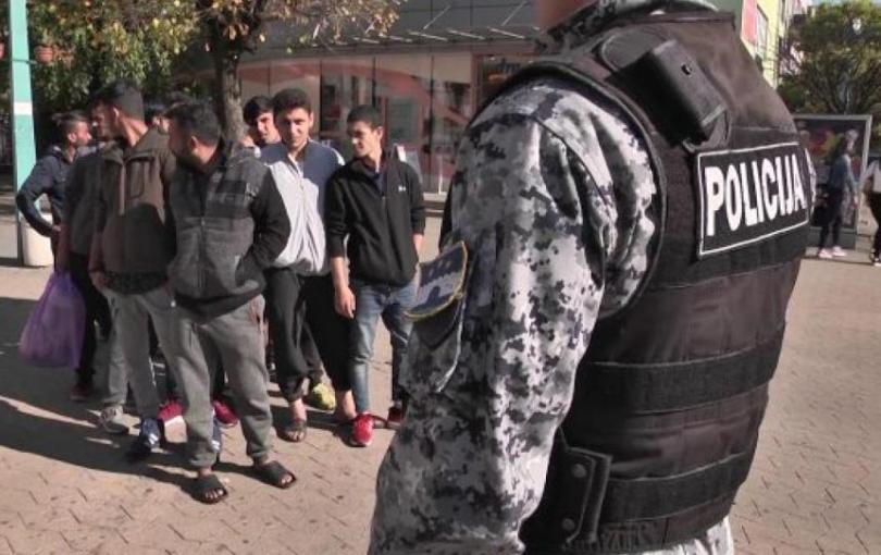 U Bihaću teško ozljeđen muškarac, privedeno troje migranata