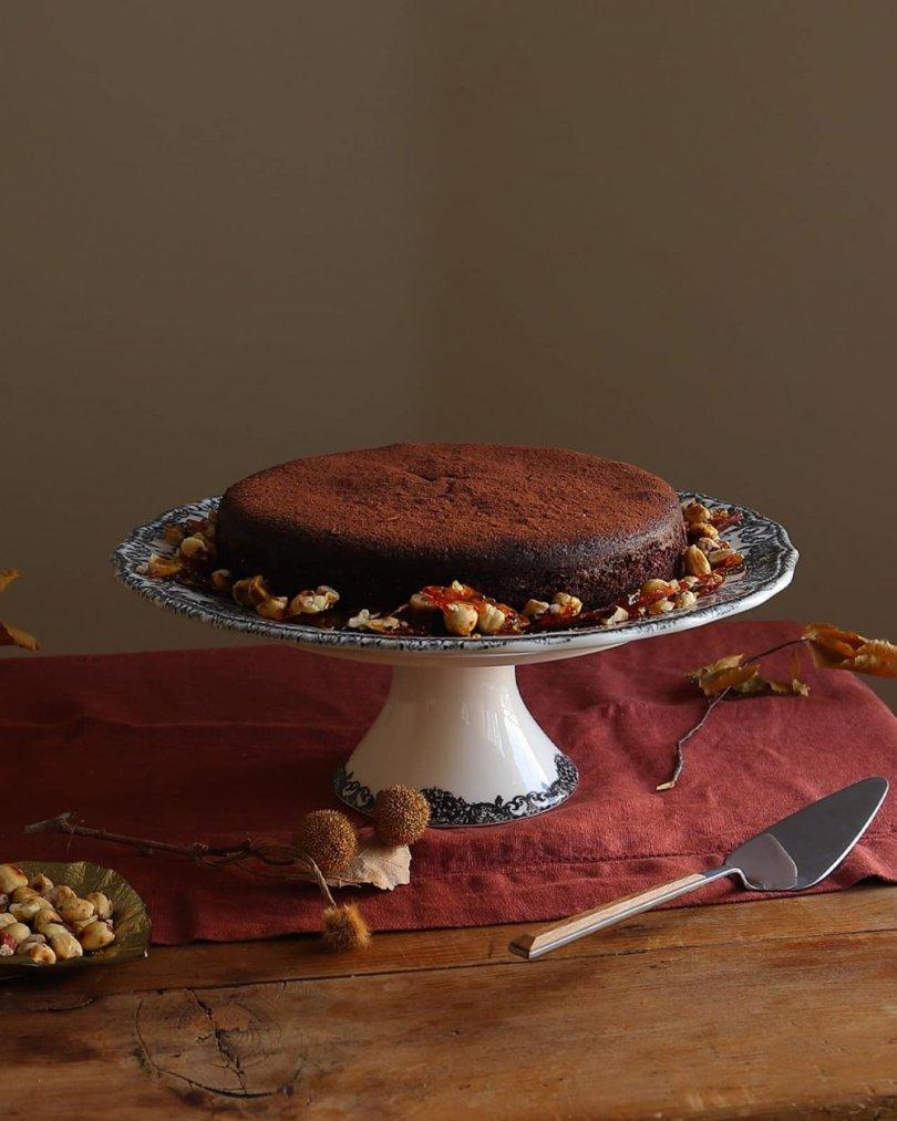 Recept za prefinu čokoladnu tortu bez brašna s kojom se odlično slažu krokanti od lješnjaka