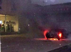 arde-vehiculo