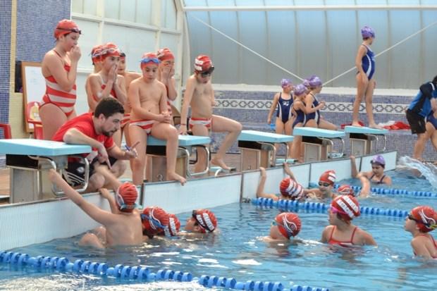 Varios de los nadadores que participaran el proximo fin de semana en Burgos.