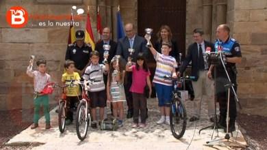 Photo of ENTREGA DE PREMIOS DEL VI CONCURSO DE DIBUJO SOBRE SEGURIDAD Y EDUCACIÓN VIAL