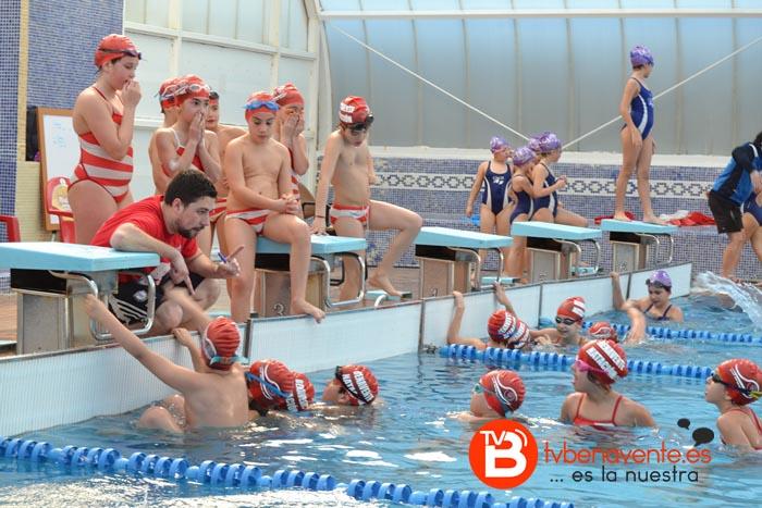 Varios de los nadadores que participaran el proximo fin de semana en Burgos