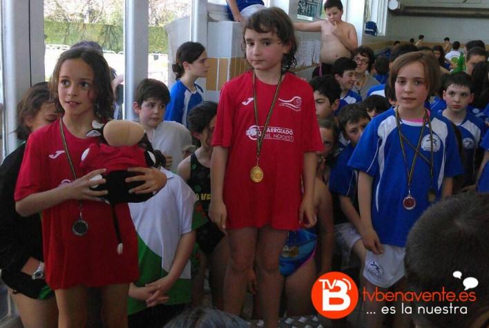 Ianire Fdz Oro en 25braza y Natalia Vazquez Plata.