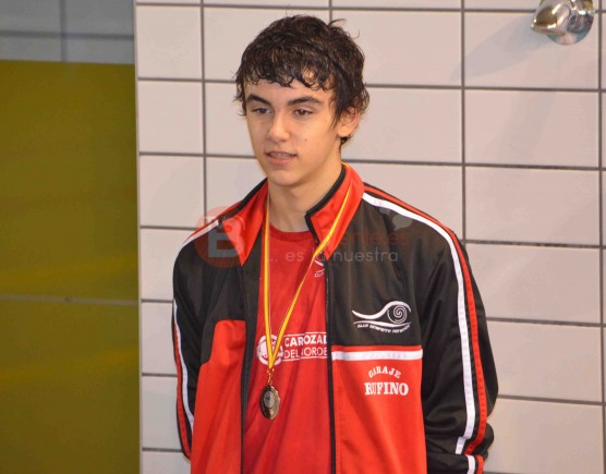 Iván Romero con la medalla de Oro