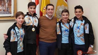Photo of El Alcalde y Concejal de Deportes reciben a los Campeones de España de Salvamento