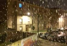 Photo of La nieve llega con fuerza a La Bañeza