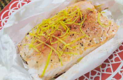Surpreenda a família com esse maravilhoso papilote de salmão!