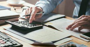 Como economizar não pagando as tarifas bancárias por Thiago Martello