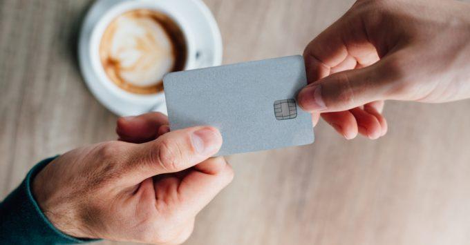 Cartão de crédito: aliado ou inimigo? por Thiago Martello