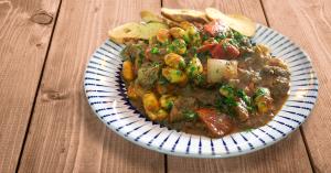 Goulash – Picadinho de carne com legumes com chef Raphael Campos