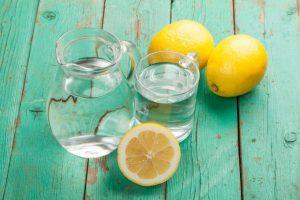 Os benefícios da água com Limão por Dra. Luciana Sensini