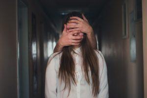 Feminicídio: 5 sinais de um relacionamento abusivo por Fredy Figner