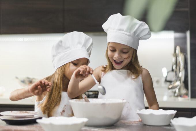 Receitas divertidas e saborosas para fazer com a criançada por Janaina Lorena