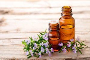 Como os florais ajudam mulheres e TPM por Denise Giarelli