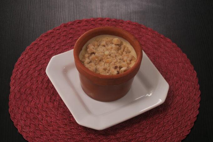 Mousse de doce de leite com crocante de castanha do Pará por Martin Casilli