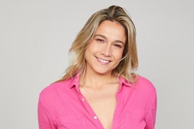 Fernanda Gentil que está na geladeira da Globo há muito tempo, se manisfesta pela primeira fez e debocha de emissora