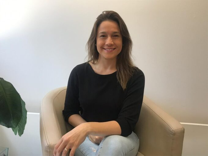 Fernanda Gentil nega que trocará de profissão e fala sobre seu novo programa na Globo