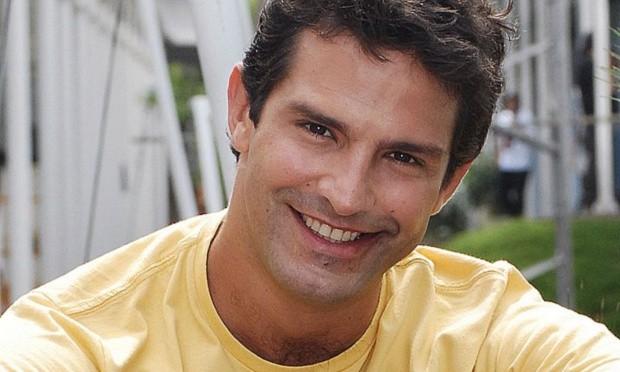 Globo tem ator galã que virou motorista de aplicativo e relato do corrido no carro por mulher surpreende