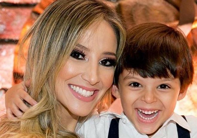 """Filho de Cristiano Araújo é proibido pela mãe de tirar foto com o irmão mais velho: """"Energias não positivas"""""""