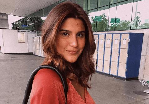 """Filha de Marcos Paulo, Giulia Costa faz revelação bombástica e emociona: """"Influência do meu pai"""""""