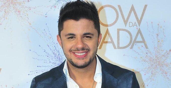 Cristiano Araújo invade estúdios da Globo e aparece para cantor mirim que lhe fez homenagem