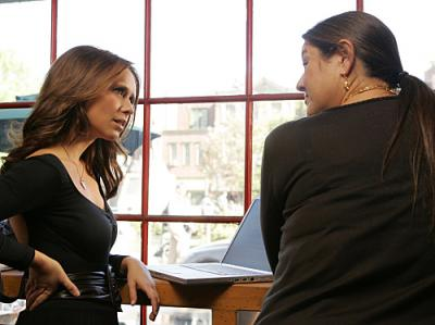 "Ghost Whisperer - Melinda (Jennifer Love Hewitt) and Delia (Camyrn Manheim) in ""Weight Of What Was"""