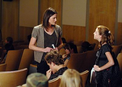 "CSI: CRIME SCENE INVESTIGATION - Jorja Fox as Sara and Juliette Goglia as Hannah West in ""Goodbye and Good Luck"""