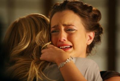 "GOSSIP GIRL - Blake Lively as Serena and Leighton Meester as Blair  in ""Seventeen Candles"""