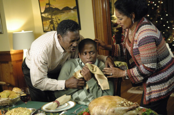 "PSYCH - Ernie Hudson as Mr. Guster, Dule Hil as Burton ""Gus"" Guster, and Phylicia Rashad as Mrs. Guster  in ""Gus' Dad May Have Killed An Old Guy"""