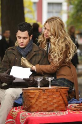 "GOSSIP GIRL - Penn Badgley as Dan and Blake Lively as Serena in ""The Thin Line Between Chuck and Nate"""