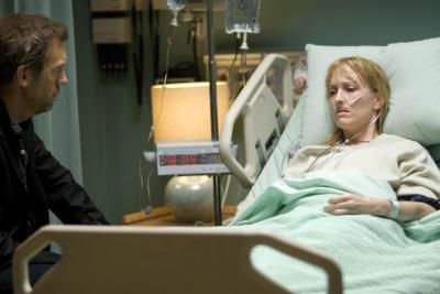 "HOUSE - Hugh Laurie as Dr. House and Janel Moloney in ""It's a Wonderful Lie"""