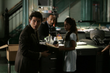 """LAW AND ORDER -  Jeremy Sisto as Det. Cyrus Lupo and Jesse L. Martin as Detective Ed Green in """"Calling Home"""""""