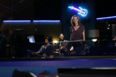 ONE TREE HILL - Legree Graham as bassist, Kevin Federline as Jason, and Hilarie Burton as Peyton Sawyer in