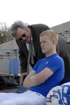 "FRIDAY NIGHT LIGHTS - Brad Leland as Buddy Garrity and Jesse Plemons as Landry Clarke in ""Leave No One Behind"""