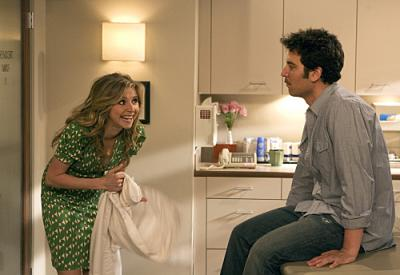 "HOW I MET YOUR MOTHER -  Sarah Chalke as Stella and Josh Radnor as Ted  in ""Ten Sessions"""