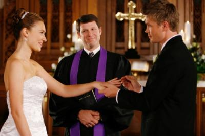 """ONE TREE HILL - Michaela McManus as Lindsey and Chad Michael Murray as Lucas in """"Hundred"""""""