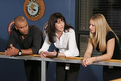"CRIMINAL MINDS - Shemar Moore as Agents Morgan, Paget Brewster as Prentiss and  A.J. Cook as Jareau in ""Damaged"""