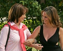 Anne Archer as Melinda's mother, Jennifer Love Hewitt as Melinda