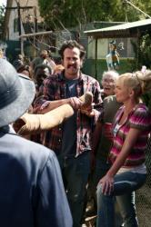 Jason Lee as Earl, Jaime Pressly as Joy