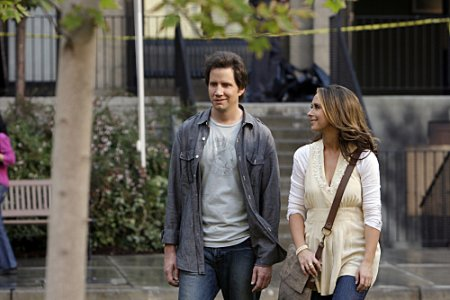 Ghost Whisperer - Eli (Jamie Kennedy), Melinda (Jennifer Love Hewitt)