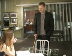 House (Hugh Laurie) and Thirteen (Olivia Wilde)
