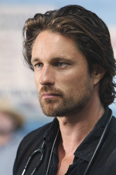 on martin henderson off the map