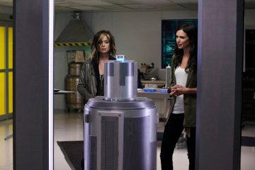 """ALPHAS (SyFy) """"Catch and Release"""" Episode 7 (5)"""