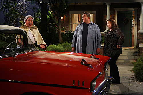 MIKE & MOLLY (CBS) '57 Chevy Bel Air